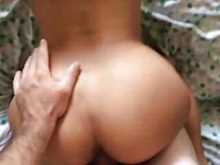 2 लोग एक आकर्षक से एक handjob मिलता है हॉलीवुड फुल सेक्स फिल्म