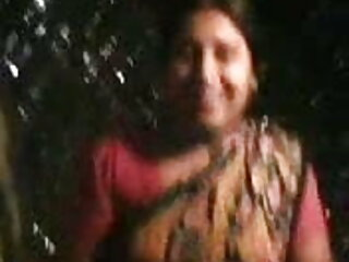 समूह सेक्सी मूवी हिंदी फिल्म में मादा छोटे मुर्गा और टग पर हावी होती है