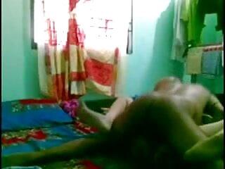 त्रिगुट उठाने सेक्सी मूवी वीडियो में सेक्सी और कमबख्त