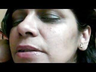 हॉर्नी आकर्षक हिंदी मूवी सेक्सी कोरी गड़बड़ हो रही है