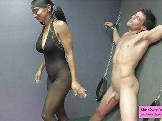 सोफी ब्लू मूवी सेक्सी इंडियन दो लोगों को संतुष्ट करने के लिए एक पृष्ठभूमि देती है