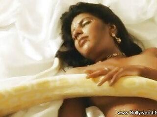 च्लोए डायर सेक्सी पिक्चर हिंदी मूवी फाट गधा स्तन 4