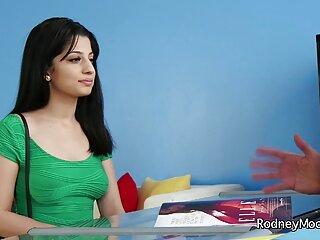 यूरोपीय हिंदी मूवी सेक्सी वीडियो Milf Squirts