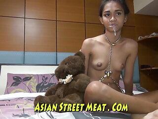 स्ट्रैपॉन के साथ दो लड़कियां हथौड़े तीसरे सेक्सी मूवी वीडियो हिंदी में