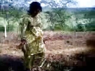 लड़की शॉट ग्लास से उत्कृष्ट blowjob और पेय सह देती है हिंदी वीडियो सेक्सी फुल मूवी