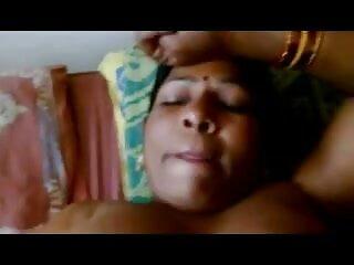 चूसने कुतिया इंडियन मूवी सेक्सी पर cummed