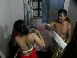 बालों मैमी वर्दी में 2 पुरुषों द्वारा गड़बड़ कर दिया हिंदी में सेक्सी मूवी