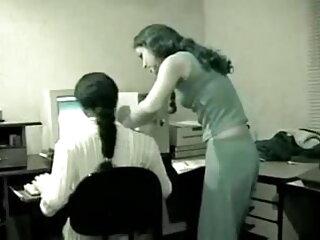 डोमिनिका फीनिक्स उसकी हिंदी फिल्म सेक्सी एचडी में बालों वाली चूत में उंगली करती है और एक संभोग सुख प्राप्त करती है