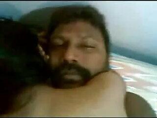 हंसमुख गर्म गोरे अपने मुर्गा खेलता है और साझा करता bf सेक्सी मूवी हिंदी है