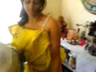 स्नीकर्सक्स में बकवास हिंदी वीडियो सेक्सी मूवी फिल्म