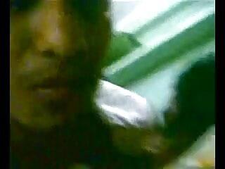 एक न्यू सेक्सी हिंदी मूवी उलटी गिनती के साथ गोरा ponytails। जॉय